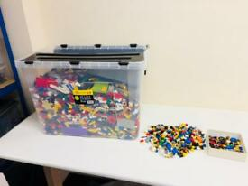 HUGE JOBLOT MIXED GENUINE LEGO 11.5 KG PLUS LOTS FIGURES
