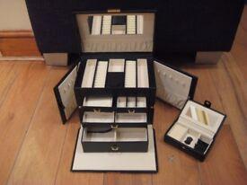 black lockable faux leather jewellery box