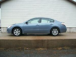 2012 Nissan Altima 2.5S WITH SUNROOF AND ALLOYS
