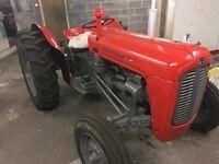 Massey Ferguson 35X de luxe tractor