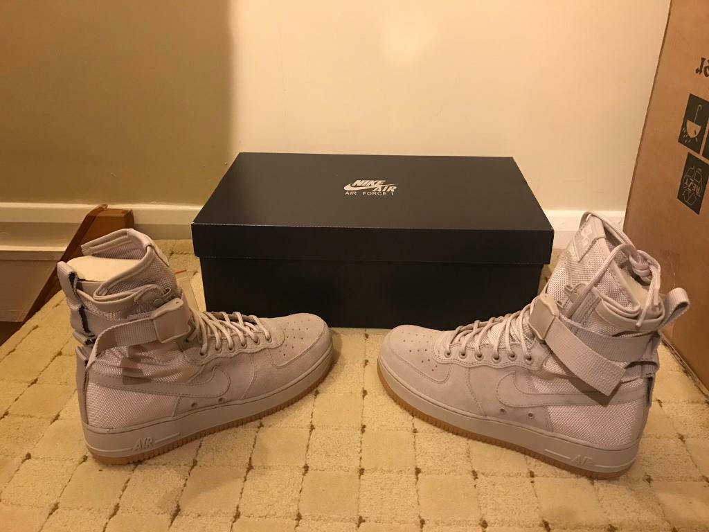 Nike Air Force 1 Special Field String Gum