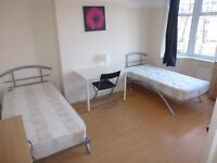 LOVELY DOUBLE / TWIN ROOM TO RENT IN NORTH ACTON - ZONE 2 - CENTRAL LINE - ALL BILLS INCLUDED