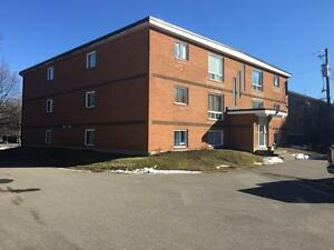**Bright and Spacious 2 Bed Apt Marr Rd Rothesay! Utilities In!