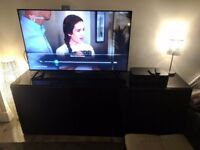 Gloss black TV unit