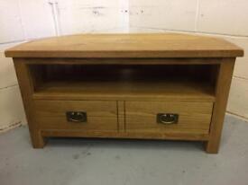 Stunning Quality Oak TV Stand Unit with Storage Draws