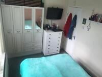 Double Room to RENT in a shared house! 380/month with ALL BILLS INCLUDED with NO DEPOSIT