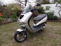 PEUGEOT ELYSEO 50cc SCOOTER/MOPED - SILVER - YEAR 2000