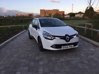 Renault Clio 1.0 top of the range only £5495