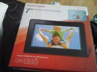 New 7 inch Digital Photo frame