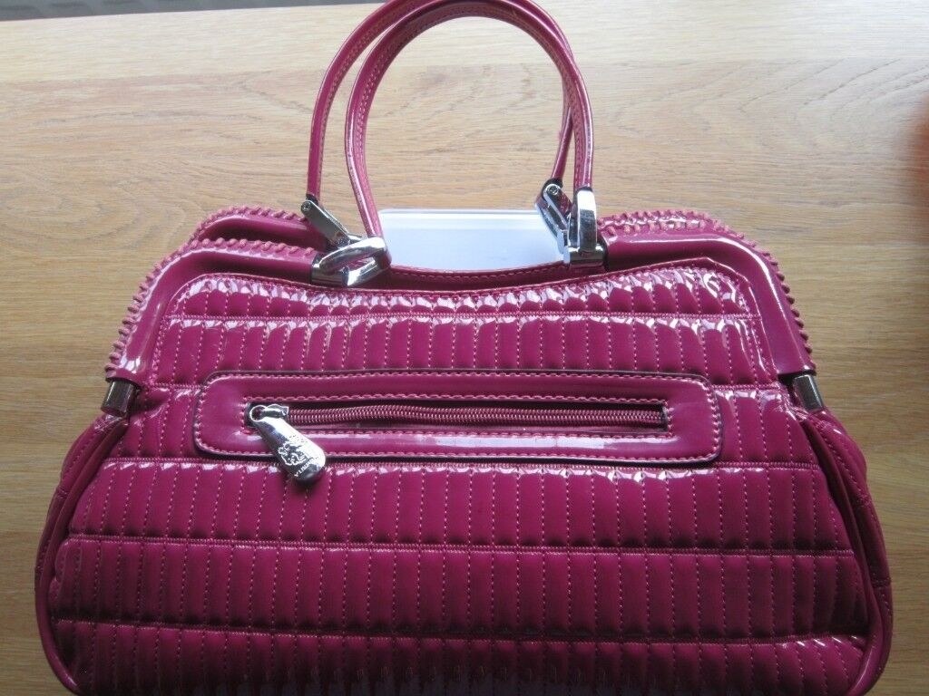 Cerise Handbag By Vusface