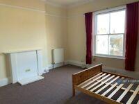1 bedroom flat in Buckingham Place, Brighton, BN1 (1 bed) (#1050538)