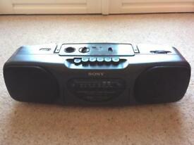 VINTAGE Sony CFS-B11 FM/AM Radio, cassette, tape player, BOOM BOX.