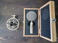 t-bone RM 700 ribbon microphone