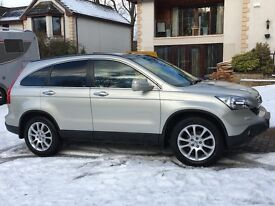 Lovely Honda CR-V I-CTDI EX 2.2L (Top of the range vehicle - loaded with extras)