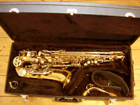 Earlham alto saxophone with all accessories -excellent student sax in great condition
