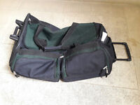 Extra large Duffle travel bag with wheels and handle