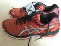 Brand New Asics Nimbus 16 Running Shoes UK 11