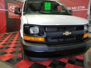 2017 Chevrolet Express Cargo Van 2500 EXTENDED  **** ONLY 8,472