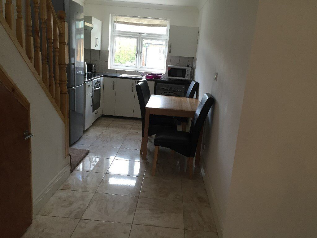 ONE BEDROOM FURNISHED FLAT AT PARRIVALE SHORT LATE