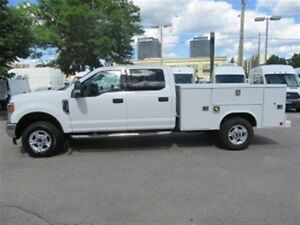 2017 Ford F-350 CREWCAB GAS WITH NEW READING SERVICE BOX