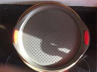 Toughened Non-Stick Bakeware Pizza Pan, Black 32 cm