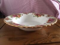 Royal Albert Rimmed Soup Bowls x 6 (Old Country Roses)