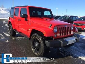 2015 Jeep WRANGLER UNLIMITED Sahara **PLAN D'OR, GPS, 2 TOITS +