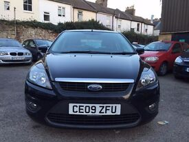 Ford Focus 1.6 Zetec 5dr£2,695 one owner
