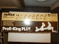 A Zyliss Profi-King-Plus hobbyists Clamping Device. Boxed/New