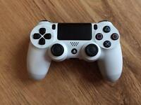 WHITE PS4 OFFICIAL CONTROLLER - EXCELLENT CONDITION