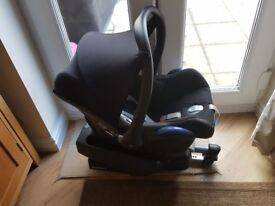Maxi cosi car seat with easy base 2