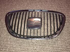 2005-2012 SEAT LEON FR FRONT CENTER GRILL WITH BADGE