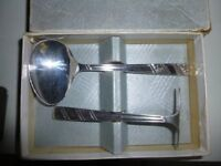 Spoon and pusher set