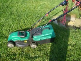 QUALCAST 32 LAWN MOWER WITH GRASS BOX
