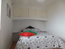 Double room available in Devons road station. £190pw all incl