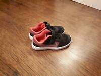 Girls Nike Trainers size 8.5