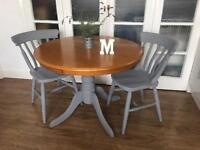 SOLID OAK TABLE AND CHAIRS FREE DELIVERY SHABBY CHIC 🇬🇧