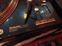 Gold technics sl 1200 limited edition dmc in very good condition