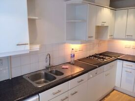 Two Bedroom Flat for rent in luxury block in Woodside Park N12