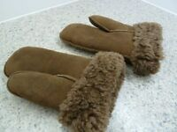 PAIR OF SMALL SIZE SHEEPSKIN MITTS