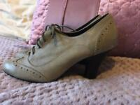 Size 4 ladies grey brogue style boots