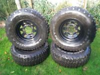 Set of 4 Landrover wheels and tyres