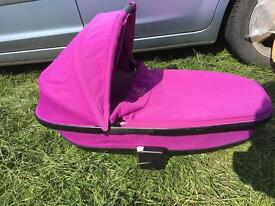 Buzz Quinny expandable carry cot