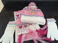 Disney Princess hat, scarf and gloves set - Nearly NEW £4