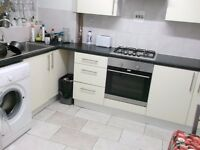 ♥♥♥ Lovely Dbl Room in the heart of Shadwell! Call now to view! ♥♥♥