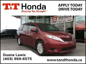 2015 Toyota Sienna LE AWD *Heated Seats, Back-up Camera, Bluetoo