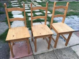 3 x Lovely solid pine dining kitchen chairs in excellent condition