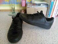 PUMA TRAINERS,SIZE 7/REAL LEATHER BLACK,GREAT CONDITION