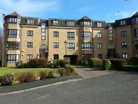 Two Bedroom modern flat available in Hyndland on weekly rental