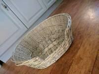 Pet cat/small dog wicker basket